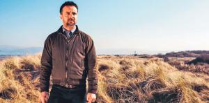 Richard Harrington: Fel y Tom Mathias.
