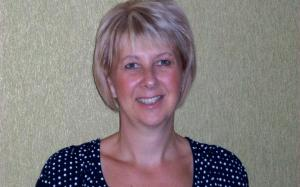 Sharon Drew: A highly experienced education consultant.