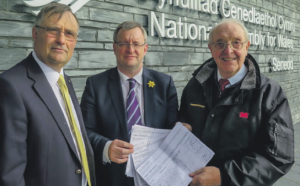 Left to right: Cllr Bob Kilmister, William Powell AM Chairman of the Petitions Committee and Cllr Peter Stock