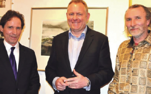 Jamie Owen (centre): W ith Hywel Thomas and Buzz Knapp-Fisher at the opening of 'Knapp-Fisher: A Family In Art'