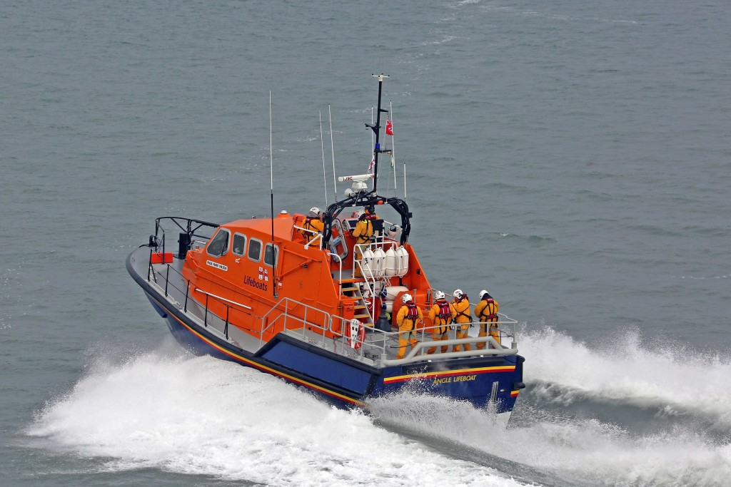 Angle all weather lifeboat